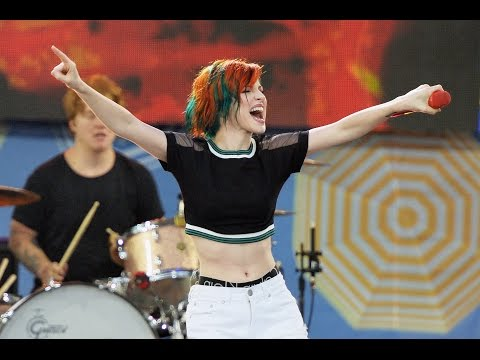 Paramore - Misery Business Live
