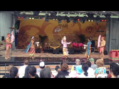 Thai Dancing at 9th Thai Culture and Food Festival, Melbourne, Australia