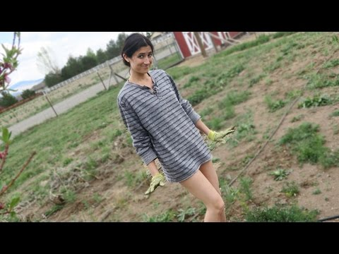 NO PANTS IN THE GARDEN!? thumbnail