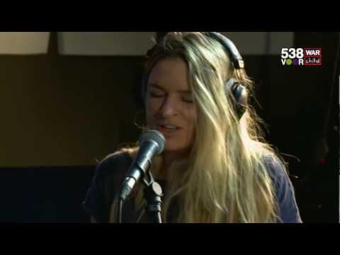 Remix voor War Child: Sandra van Nieuwland & Kensington - Keep your head up