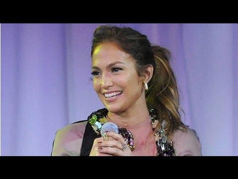 Jennifer Lopez Talks Casper Smart and Twins Max and Emme on Tour
