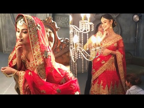 OMG! NAAGIN 2 Actress Mouni Roy SECRETLY MARRIED ?