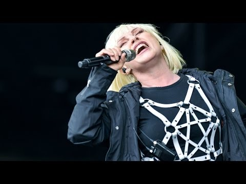 Blondie - Atomic at Glastonbury 2014