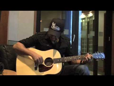 Luke Bryan  Country Girl (shake It For Me) Acoustic video