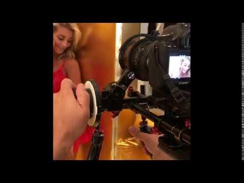 El video caliente de Sol Pérez con lencería hot antifaz, tanga y body thumbnail