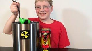 12-yr-old eats Plutonium (9 Million Scoville) Mad Dog 357 : Crude Brothers