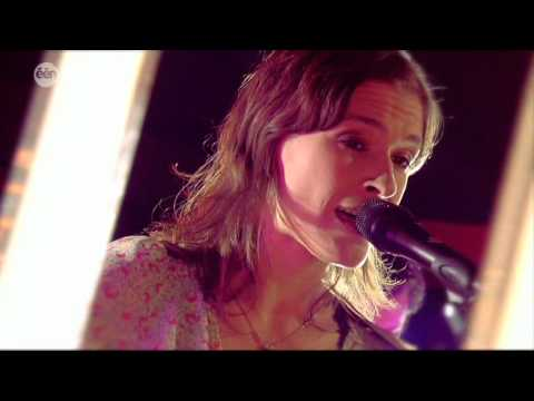 Eva De Roovere met Diggy Dex Slaap lekker Fantastig toch 2009 Villa Vanthilt live