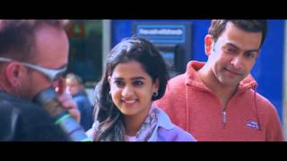 Kannadi Vaathil London Bridge Movie Video Song HD