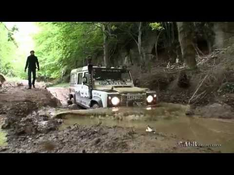 LAND ROVER IN  EXTREME MUD TRACKS