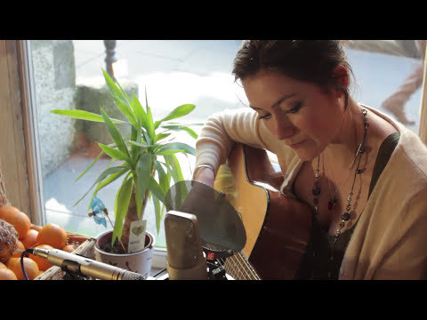 Rachel Sermanni performs Sleep - Location Music TV