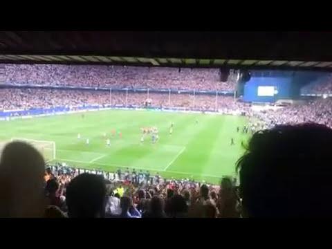 Aplausos de la afición del Barça a los jugadores del Atlético
