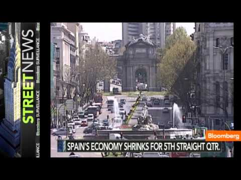 Spain's Economy Shrinks for Fifth Straight Quarter
