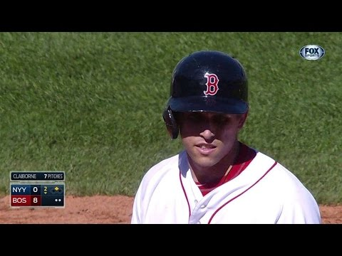 NYY@BOS: Cecchini tacks on big lead with RBI double