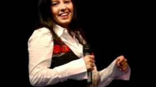 Watch Sunidhi Chauhan Aaja Nachle video