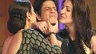 SRK demands a KISS from Vidya, Anushka !