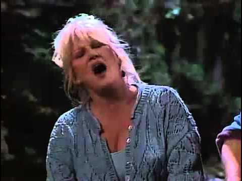Bonnie Sings
