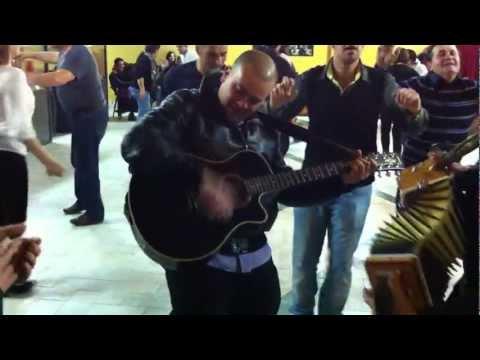Tarantella calabrese cantata con Ciccio Nucera a Presinaci di Rombiolo