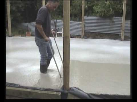 Laying Agilia self-levelling self-compacting concrete-one man 10 minutes-brilliant