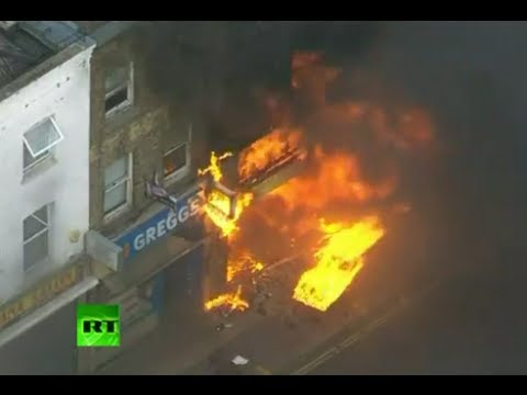 More video of London riots: Cars, shops on fire in Lewisham, Hackney