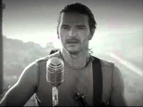 El mojado-Ricardo Arjona Music Videos