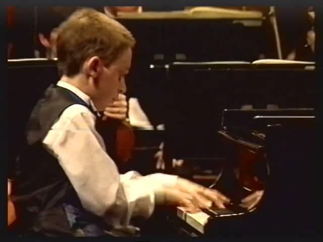 Simon Tedeschi with the Adelaide Symphony Orchestra, circa 1994