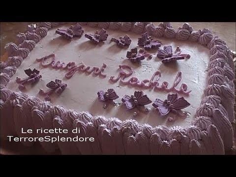 Torta di compleanno con decorazioni in pasta di zucchero for Decorazioni torta compleanno