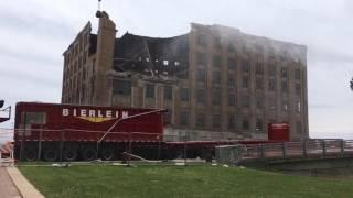 Demolition begins on crumbling building in downtown Saginaw.