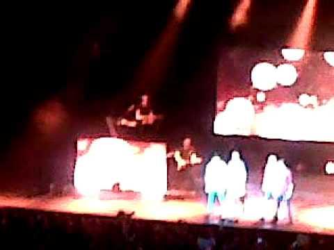 04/01/2012 Birmingham NIA-One Direction-What makes you beatiful