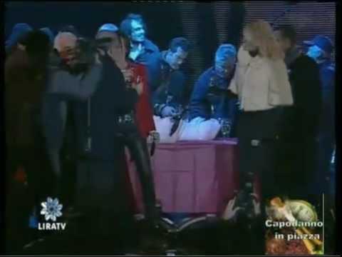 Gianna Nannini | Capodanno 2012 Salerno | Meravigliosa Creatura & Brindisi Grazie al live streaming di Lira Tv GNBand: Francis Hylton (bass) Peter Wrba (drum...
