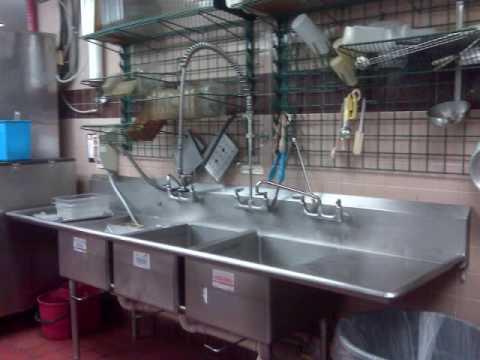 McDonalds Employee Takes Bath in Kitchen Sink - YouTube