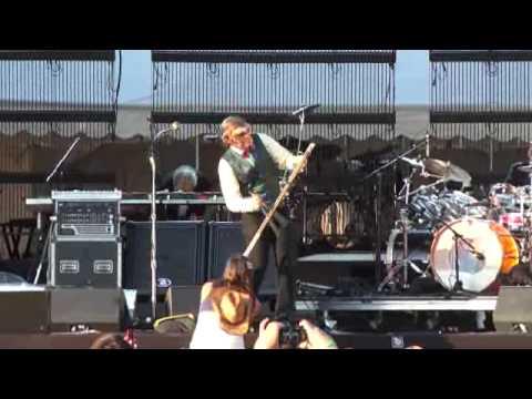 (HD) Les Claypool Monkey Mask jams w / Whamola..Booneville Stomp.. Wakarusa 09