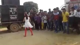 Prem ratan Dhan Payo village girl dance