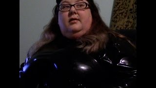 15 017- BBW FetishKimmy Talking About Website and Fan Mail in Black Latex Catsuit