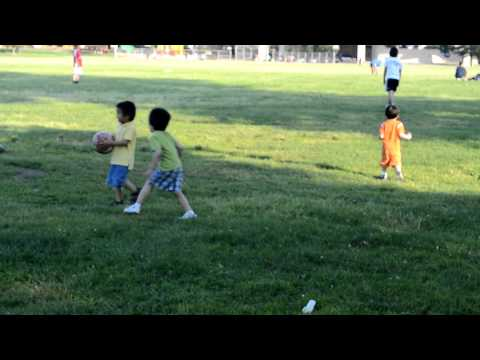 Kidz at the park - 06/06/2011