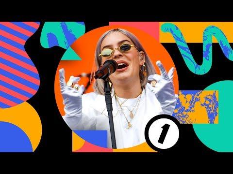 Download Anne-Marie - 2002 Radio 1's Big Weekend 2019 Mp4 baru