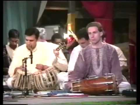 Apne Panah Mein Hame Rakhna 1997 0906 Evening Program Shri Ganesha...
