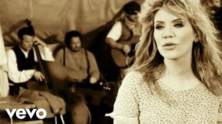 Watch Alison Krauss Paper Airplane video