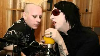 Watch Marilyn Manson Come Back video