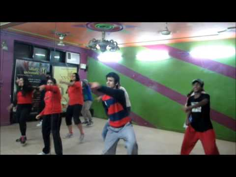 Disco Deewane Student Of The Year By Delhi Dancing video