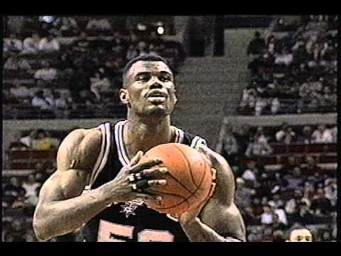 David Robinson Scores 40 Against Pistons (1995)