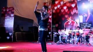'Saree Ke Fall Sa' fame singer Antara Mitra show in Meerut