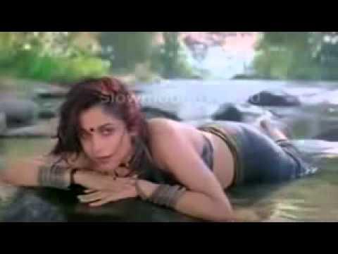 Ramya Krishnan Hot Ass Shake And Hip Show In Wet Saree video