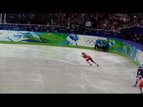 Charles Hamelin sets an Olympic record