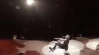 Download Lagu Kirk Hammett Falls On Stage, METALLICA Mocks Him   Rock Feed Gratis STAFABAND