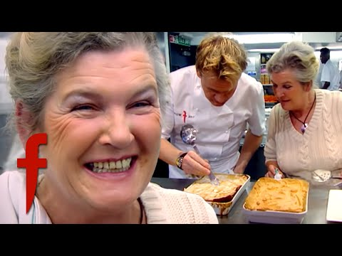 Gordon Faces Off Against His Own Mother In A Cook Off!