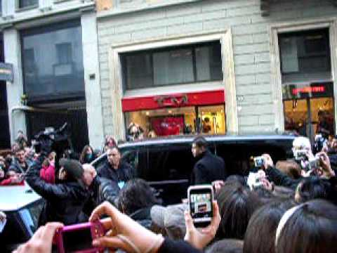 19.01.10 Arriving Dsquared Boutique