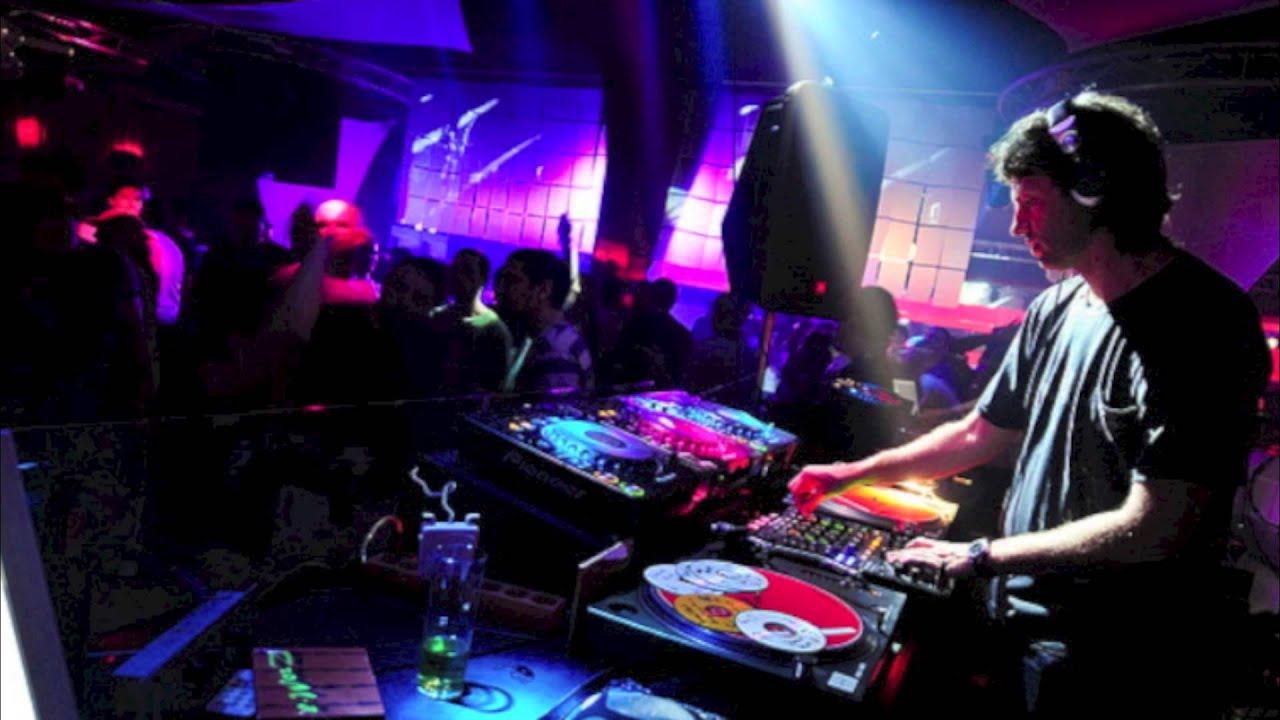 Tratando de reivindicar al DJ