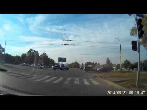Лобовое столкновение в Харькове  21 09 2014