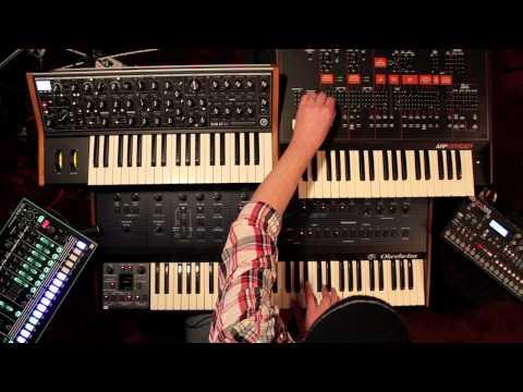 Slow groove with Oberheim, Roland, Moog, Elektron and ARP