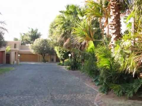 Unbelievable Upmarket home for sale in South Africa Johannesburg North - ZAR1,6million